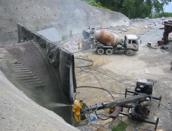 Shotcrete Spraying on Rockf ace